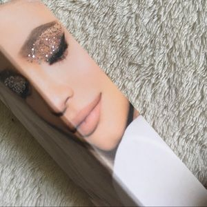Kylie Cosmetics Makeup - Kylie Cosmetics Eyeshadow Glitter Eyes BNIB